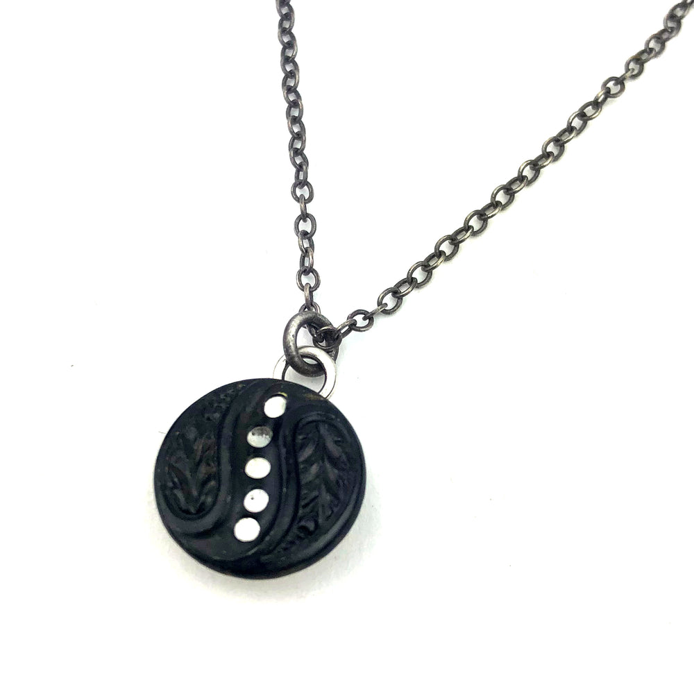 PATHWAY Antique Twinkle Button Necklace - Silver