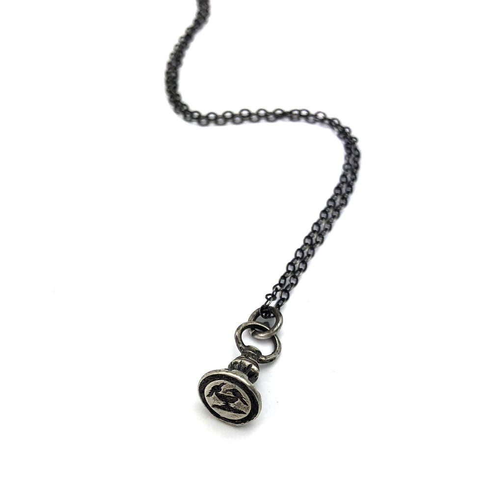 DOVES OF PLINY Vintage Seal Necklace - SILVER