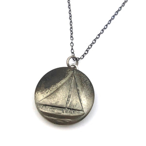 SAILBOAT Vintage Button Necklace - Silver