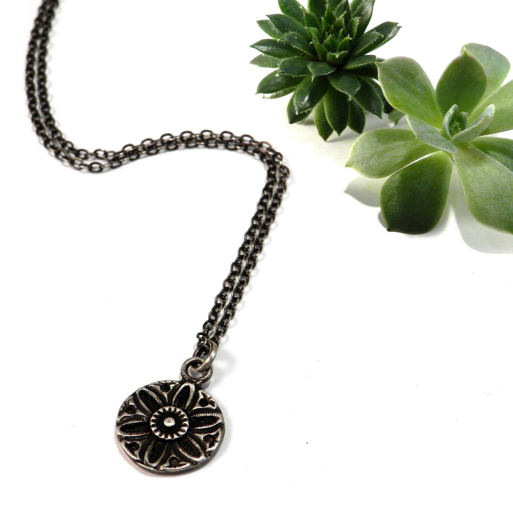 SUNFLOWER / SUNLIGHT Vintage Button Necklace - SILVER