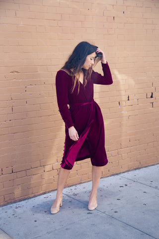 intropia velvet wrap midi in cherry