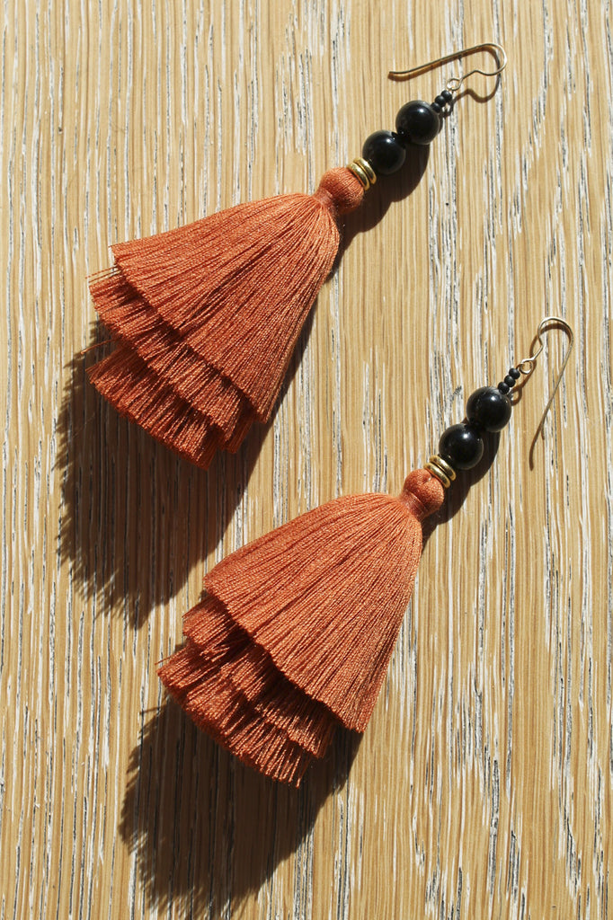 ora-c nina earring in rust