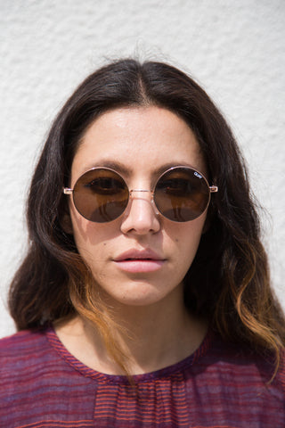 quay electric dreams sunglasses in gold