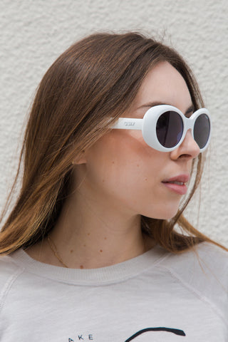quay frivilous sunglasses