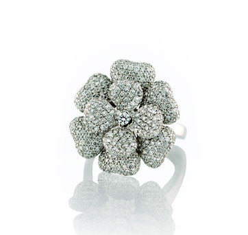 18K White Gold, Diamond Flower Style Ring