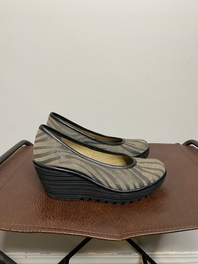 Fly London Blk/Taupe Zebra