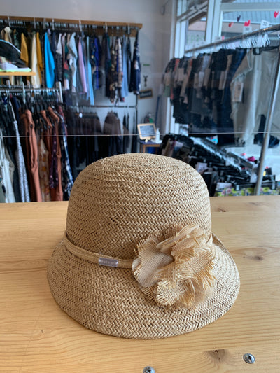 Betmar Straw W/Flower Hat
