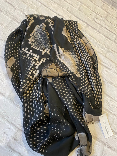 Blk/Taupe Pattern Scarf