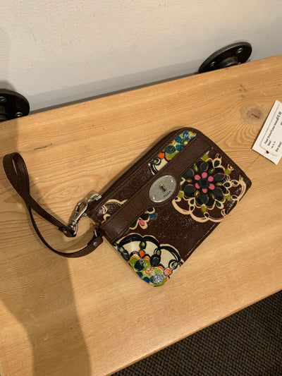Fossil Brown/FLower Wristlet