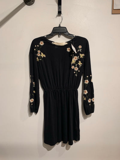 Topshop Black Flwr Slv Dress
