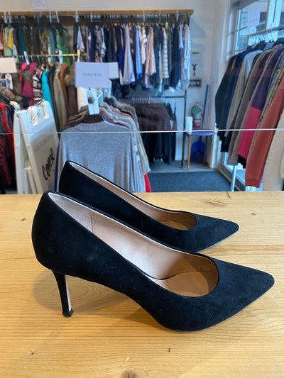 Spring Black Pointed Heel
