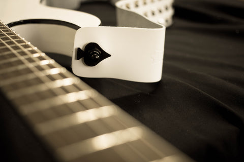 Ace of spades guitar strap lock