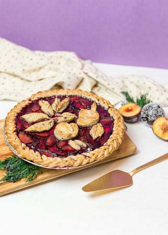 earl grey infused pie displayed on wooden board