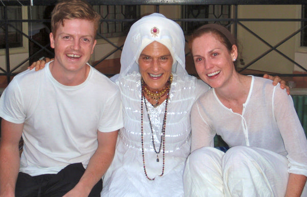 Gurmukh with the founders of KOOSHOO
