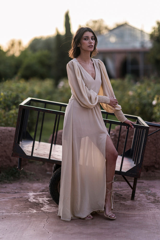 Long dress in powder beige fluid crepe