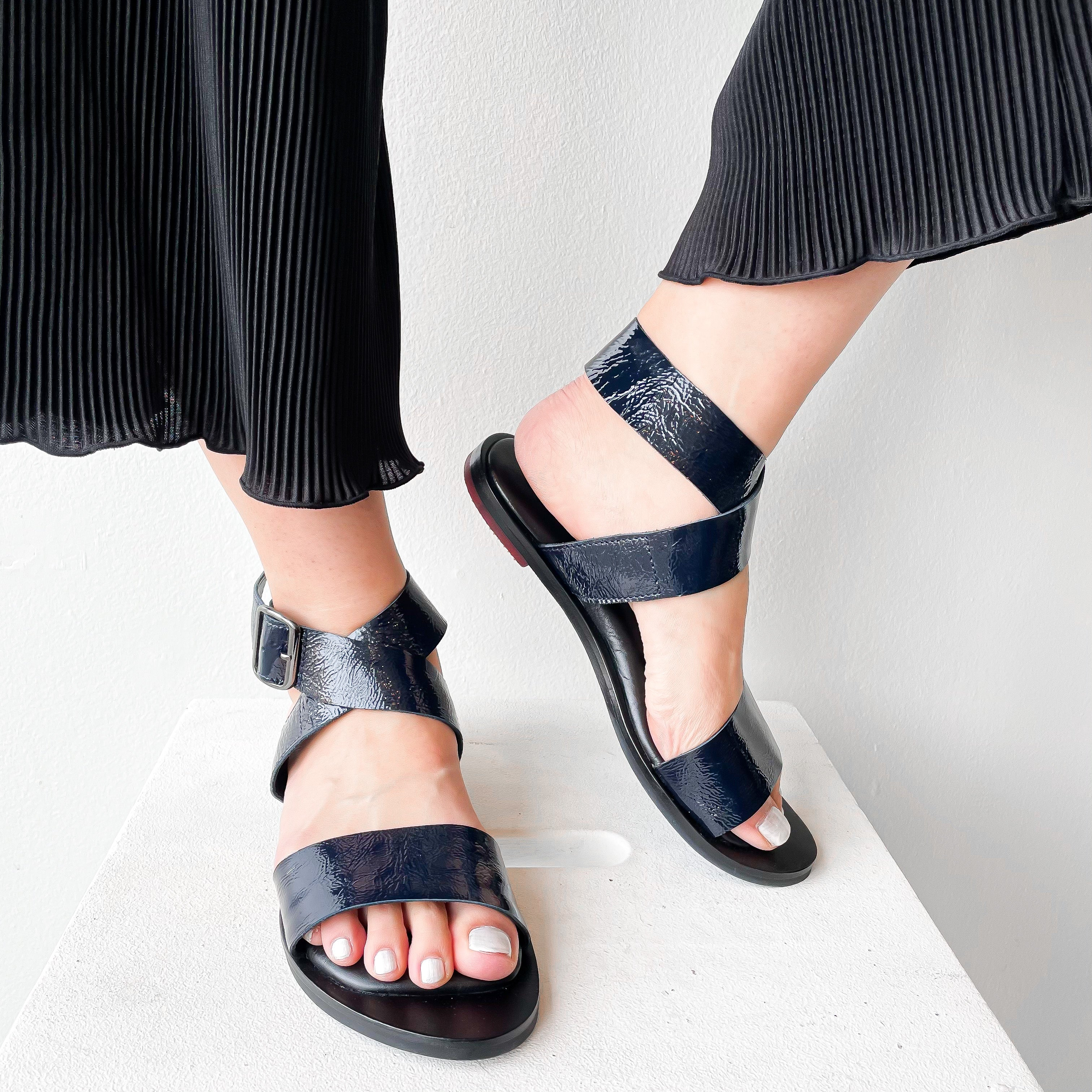 SS21 712028 | Yuduki - Ankle Cross Strap Sandals- Navy | Yuko Imanishi+