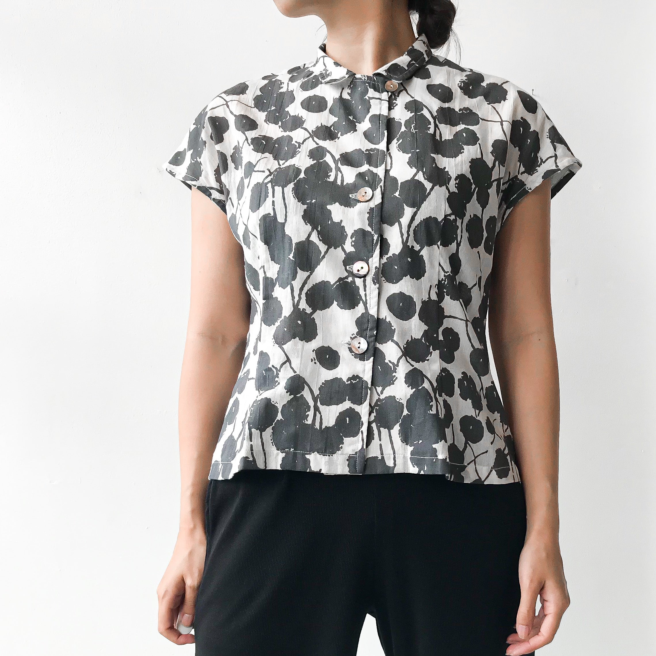 Sasaki Gallery | FRENCH SLEEVE BLOUSE FLORAL