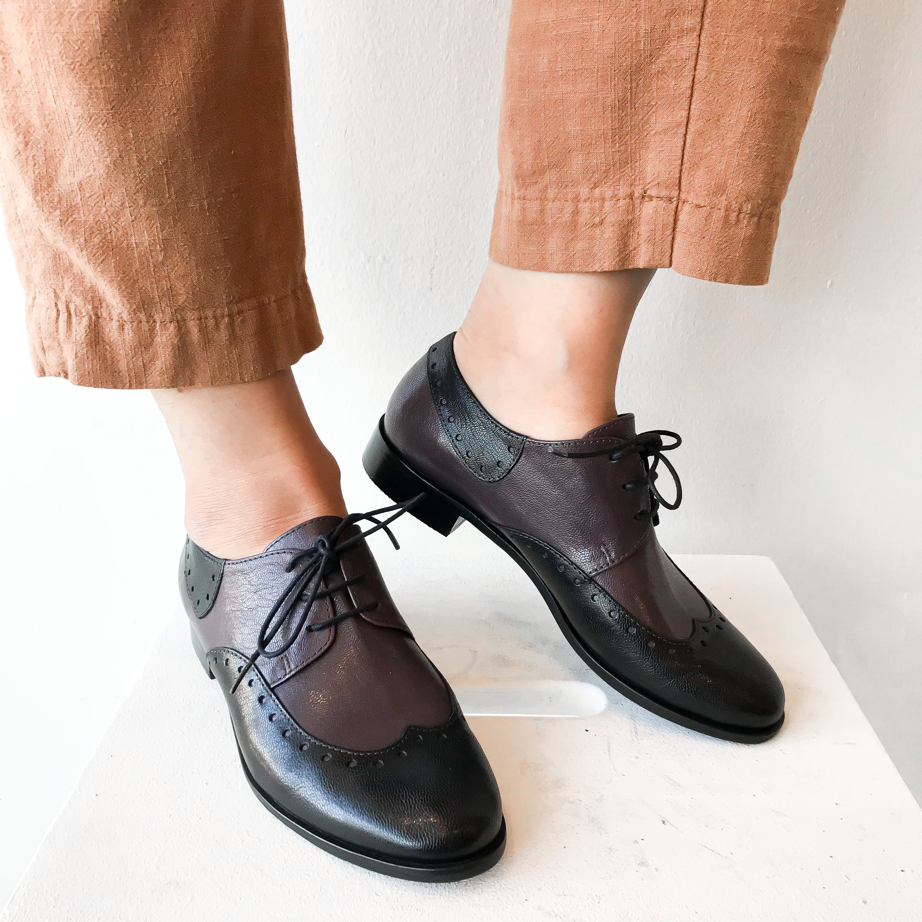 FW20 76154-2 | Classic Oxfords - Black/C | Yuko Imanishi+