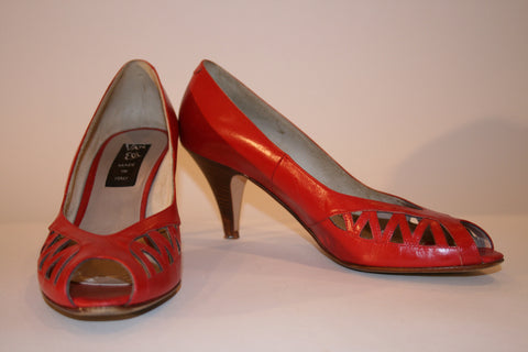 Van Eli Red Pumps