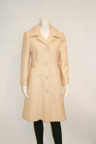 Vintage 1970s Beautifully Detailed Beige Coat