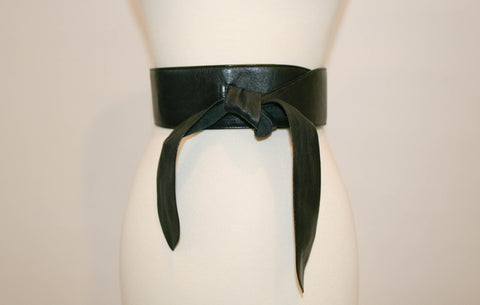 1980s Vintage Evan Picone Black Leather Belt