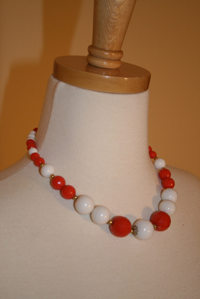 1960's Perfect Plastic Bead Necklace - Vintage Swag Chics