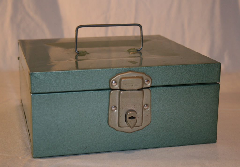 "Vintage Metal ""Porta File Box"" - Vintage Swag Chics"