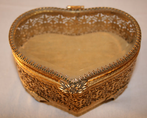 1950's Metal heart jewelry Box