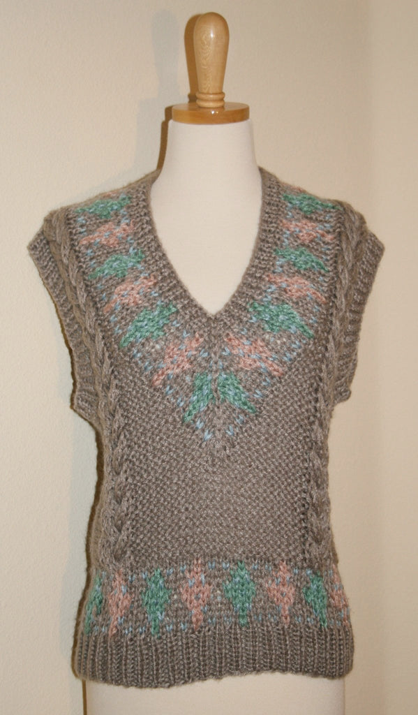 """No Strings Attached"" Sweater Vest - Vintage Swag Chics"