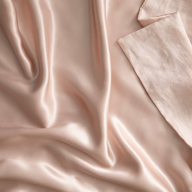 Close up on the Silk Linen Flip Pillowcase in Blush