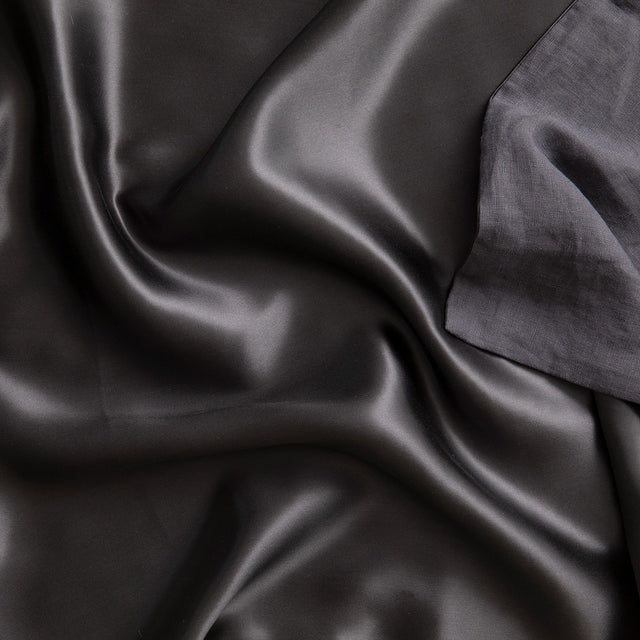 Close up on the Silk Linen Flip Pillowcase in Slate