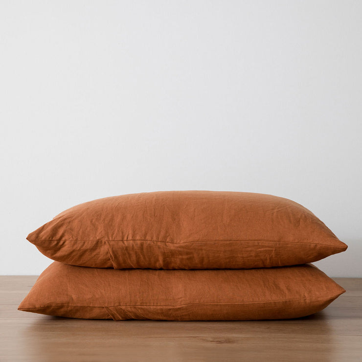 Stack of 2 Linen Pillowcases in Cedar