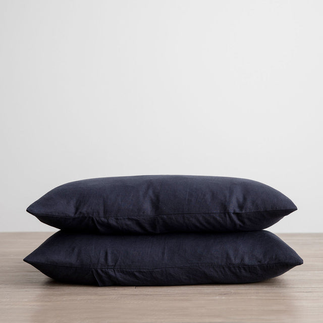 Stack of 2 Linen Pillowcases in Navy