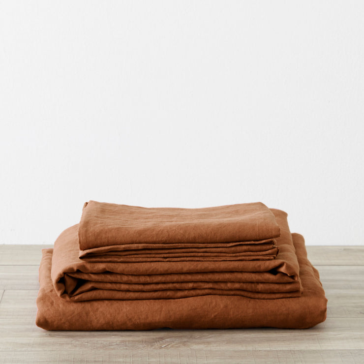 Linen Sheet Set in Cedar.