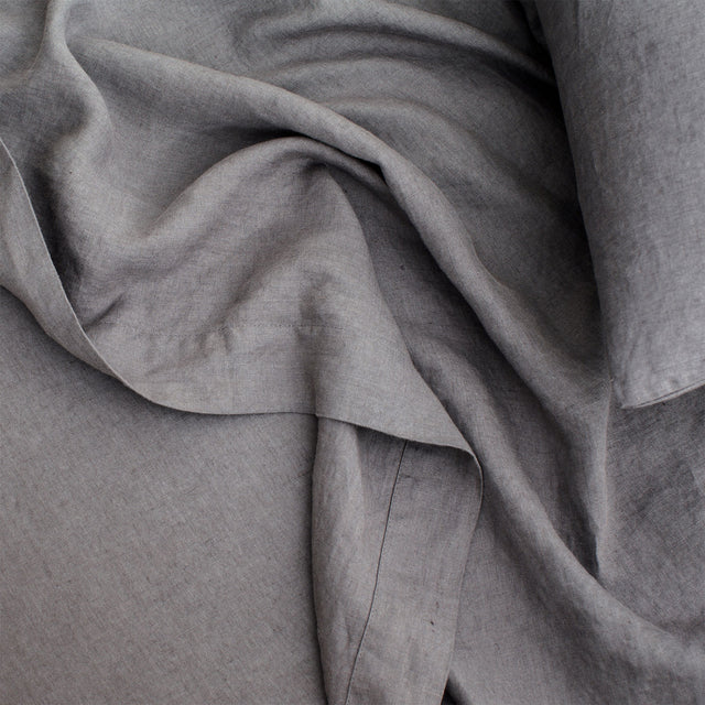 Linen Sheet and Pillowcase in Charcoal Grey