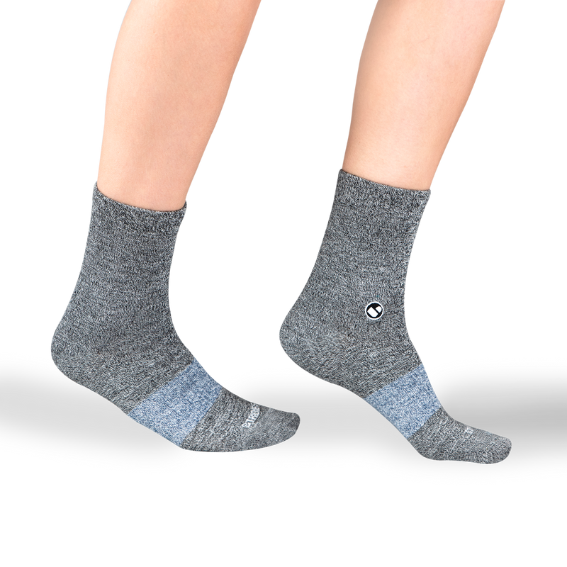 Womens Solid Blacks Calf Sock