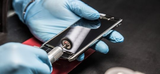 Why Vertu Mobile is So Expensive ? here is the answer
