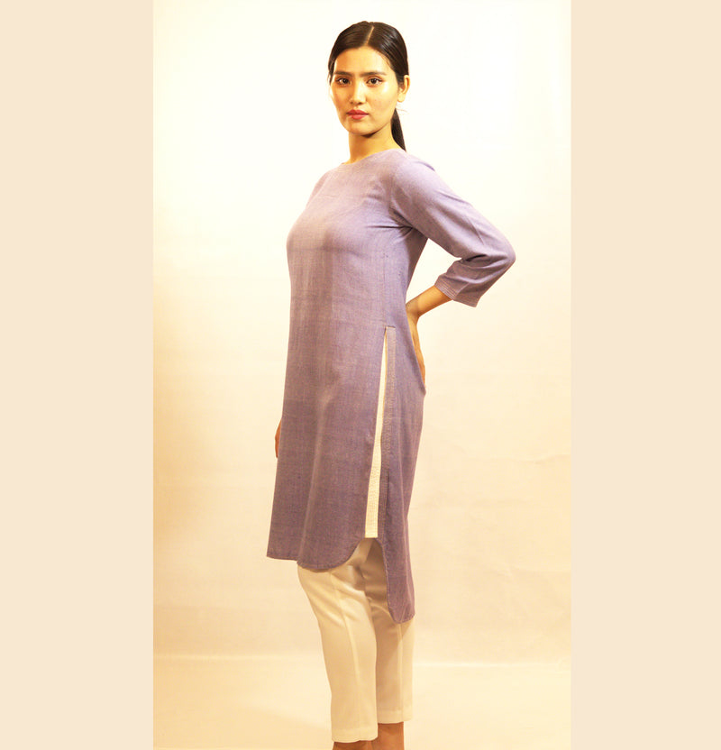 FITTED KURTA WITH HIGH SIDE SLIT
