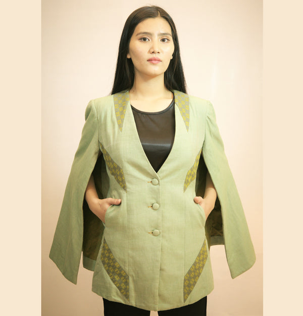 THIGH LENGTH CAPE JACKET IN HANDLOOM FABRIC