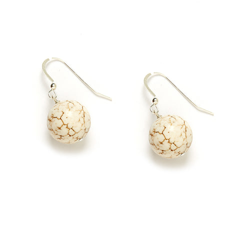 Eggshell Earrings in Ivory Magnesite