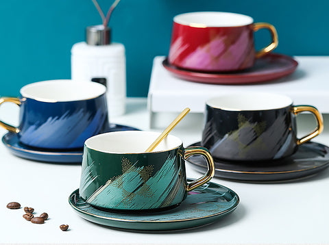 The ideal way to start your day or much-needed caffeine boost during your mid-morning cuppa. Beautiful brush strokes cup and matching saucer for any hot beverage like coffee, tea, hot chocolate or cappuccino.