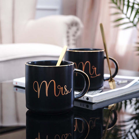 Mug set includes a gold 15cm gold teaspoon in gift box. This premium 380ml mug is strong and sturdy to hold and thick wall keeps your beverage warm. Kupa. Fincan.bardak.