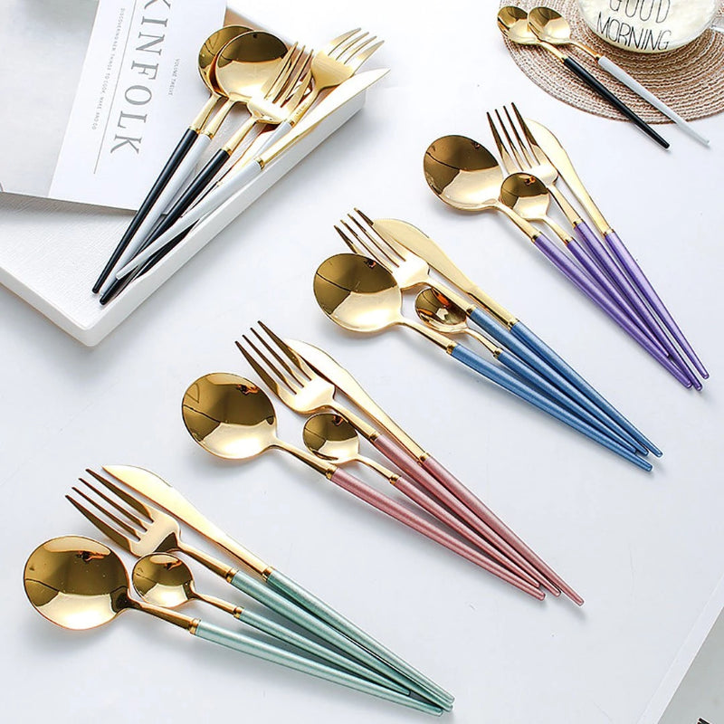 Add these stunning 4 piece cutlery set to your cutlery collection and dine with style and elegance. Cutleries has a ribbed design keeping the handle free from food. Perfect for dinner parties and special occasions.