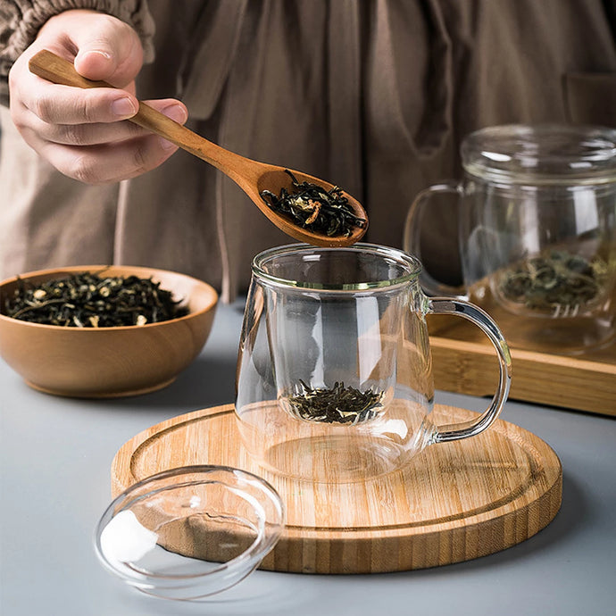 One cup glass with cover and strainer is perfect for your hot tea. Easy to clean, light weight, quality borosilicate glass for durability and heat resistance. Cup can be used in a microwave and is dishwasher safe.  Suitable for your daily green tea, black tea, floral tea, chinese tea or fruit tea.