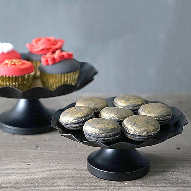 Enhance your food presentation with an elegant look with this stylish cake stand. Serve your appetizers, desserts, quick bites or beverage in this chic black matt stand with ruffles edges.