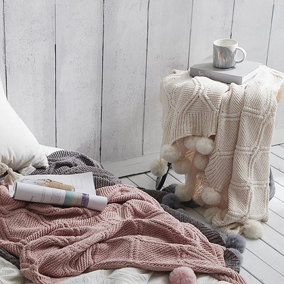 Super soft cotton blanket throw to curl up with your favorite book or add a touch of texture on your bed. Weighted blanket. Chunky Chenille blanket. decke 2020 new hot Pom Pom Throw Blanket Knit Throw Blankets with Pompom Fringe Soft Plush Dropshipping Home Selling Accessories