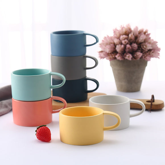 Quality porcelain 200ml mug for drinking hot beverages, such as coffee, hot chocolate, soup, or tea.
