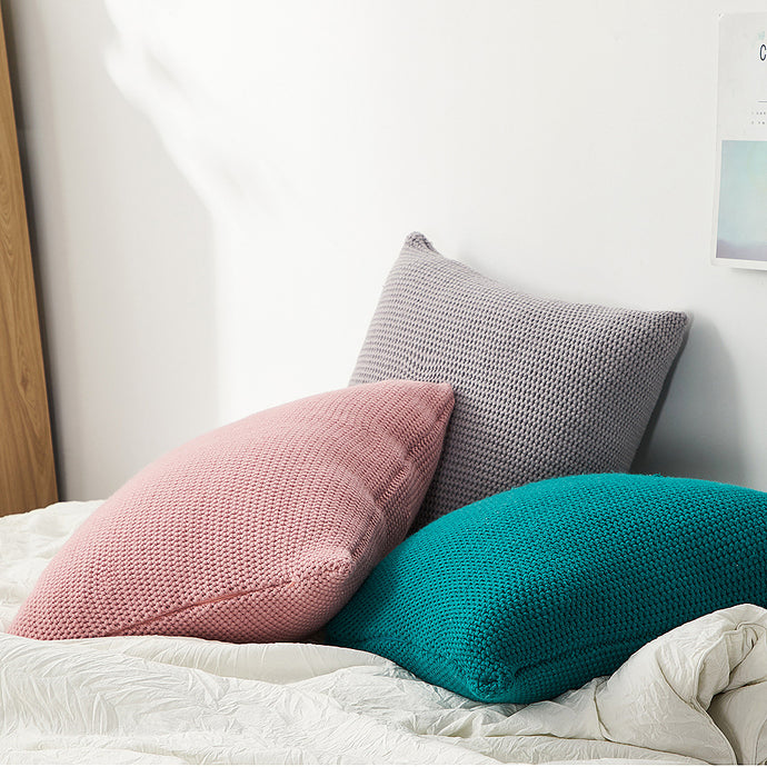 Add that finishing to your room decor with knitted cushion covers. They are super soft and fantastic to snuggle up with. Decorate on their own or use as a layering cushion base to achieve an instant room transformation.