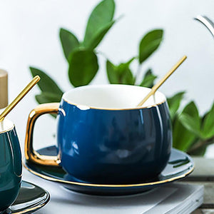 The ideal way to start your day or much needed caffeine boost during your mid-morning cuppa. Beautiful vintage charm round-sharped cup and matching saucer for any hot beverage like coffee, tea, hot chocolate or cappuccino.