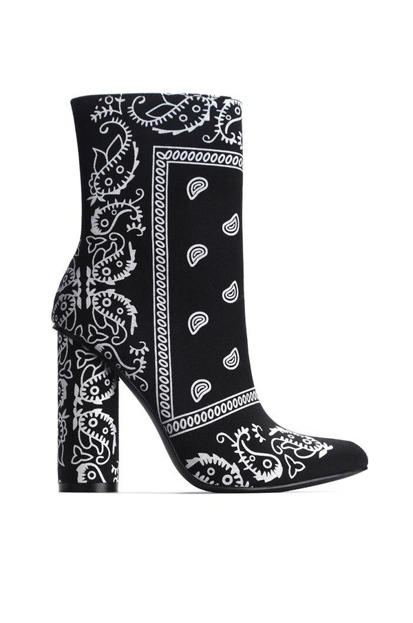 BOAS SNAKE SKIN CHUNKY STACKED HIGH HEELED ANKLE BOOTS WITH BANDANA PRINT-BLACK